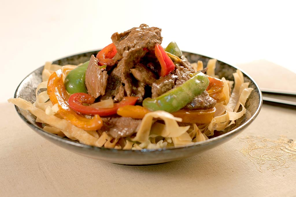 Effiloché de bœuf avec sauce au poivre noir
