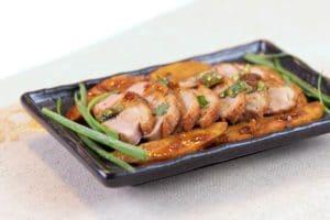 Poitrine de canard et racine de taro avec sauce Chu Hou