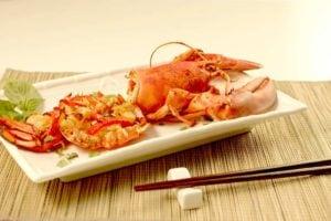 经典的简易中式焗龙虾菜式