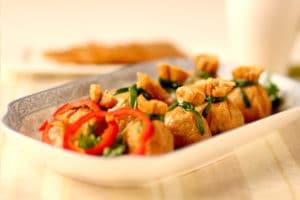 合家喜庆的中式酿豆皮