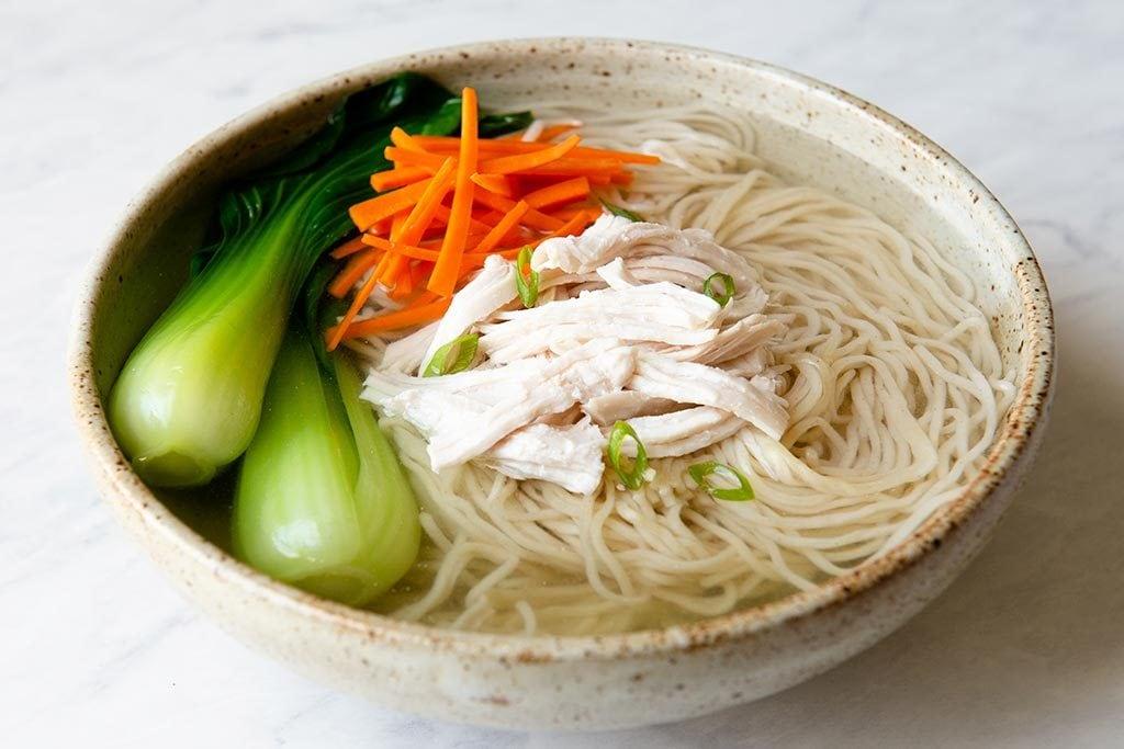 Lisa Lin 鸡胸肉中式鸡汤面